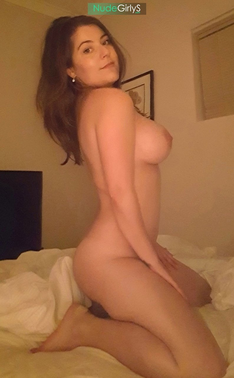 nude amateurs with big tits