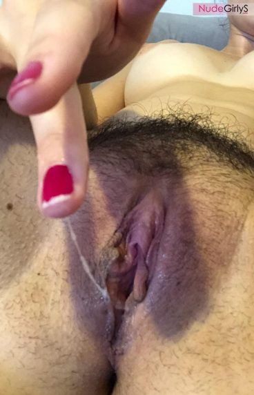 Thin bubbly hot vagina grool pic