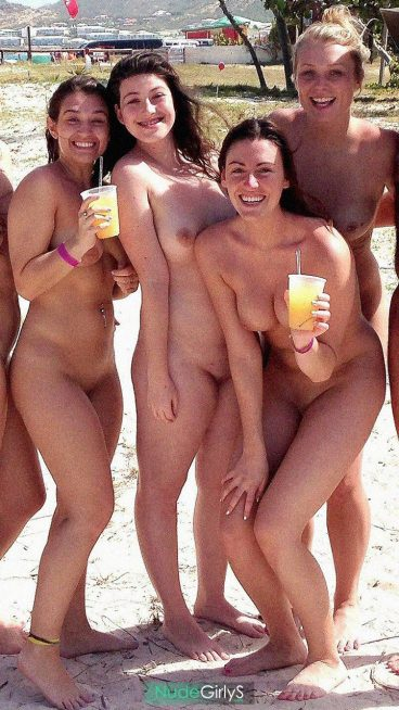 Hot beach nudes girlfriends tits pussy picture