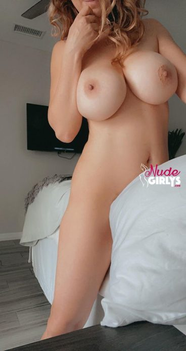 Real mature tiny busty mom bigtits porn tease