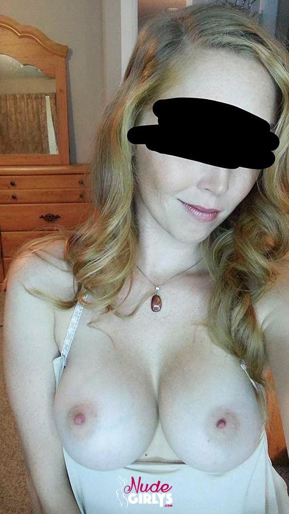 Homemade leaked amateur GF naked bigtits redhead nudes