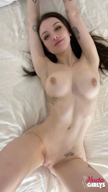 Homemade babe nude sexy amateur big breasts